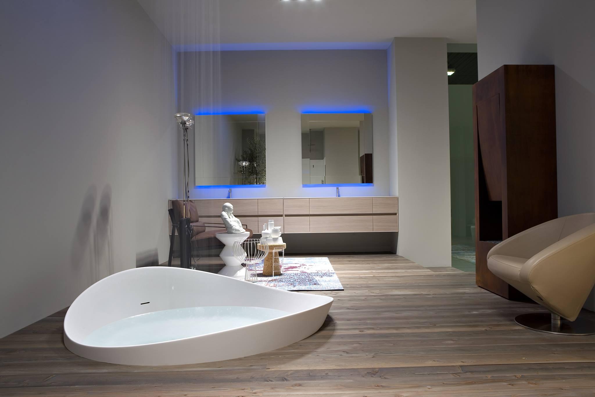 tubs spas designer 39 s plumbing. Black Bedroom Furniture Sets. Home Design Ideas